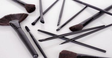 intretinerea pensulelor pentru machiaj